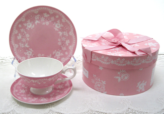 Vintage Lace Tea Cup, Saucer & Dessert Place In Decorative Hat Box