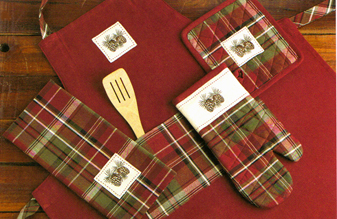 Pine Cone Lodge Basics, Apron, Potholder, Oven Mitt & Dishtowels